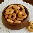 Russian bread ring in wooden bowl — Stok fotoğraf
