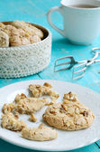 Homemade almond cookies and cup of tea — Stock Photo