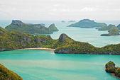 Tropical beach in Ang Thong National Park, Thailand — Stock Photo