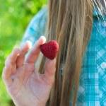 Hand holding a heart — Stock Photo