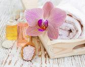 Lázně s orchidejemi — Stock fotografie