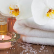 Spa set with white orchids — Stockfoto