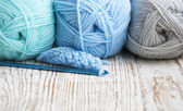 Crochet hook and knitting yarn — Stock Photo