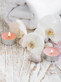 Spa set with white orchids — Stock Photo