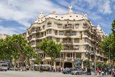 Casa mila, lepiej znany jako la pedrera, w barcelona, hiszpania — Zdjęcie stockowe
