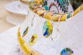 Banco di mosaico colorato del parco guell a Barcellona — Foto Stock