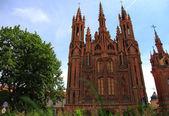 Igreja gótica em vilnius, lituânia — Foto Stock