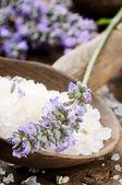 Sea salt and fresh lavender — Stock Photo