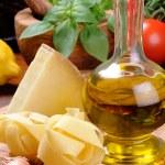 čerstvé suroviny pro italskou kuchyni — Stock fotografie #12727967