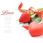 Decorazione rosa e a forma di cuore rossa — Foto Stock