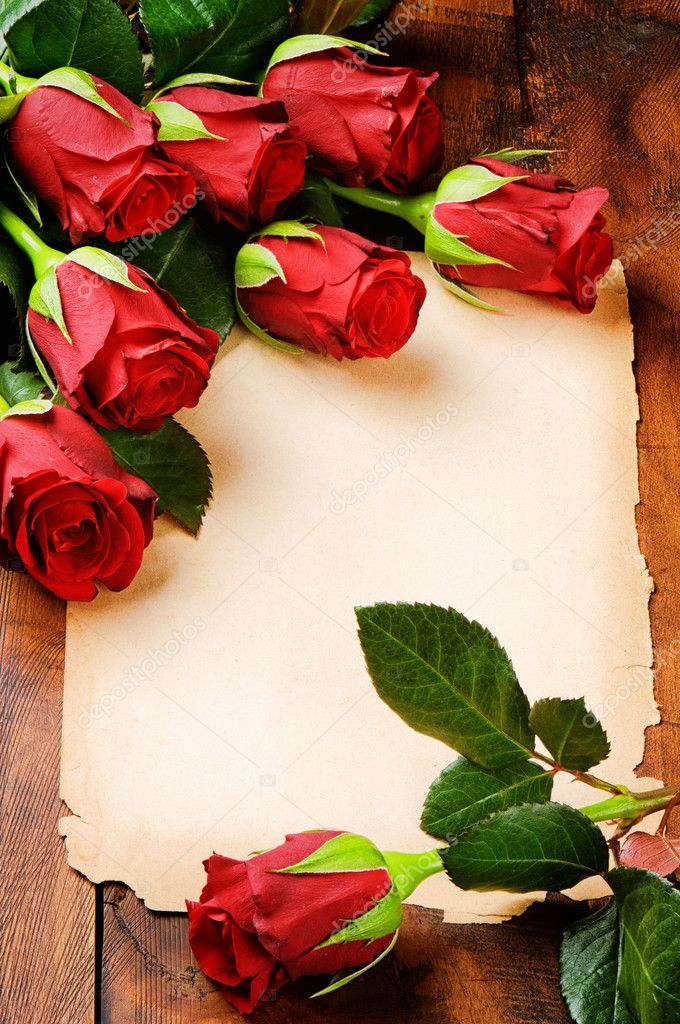 Romantic frame with red roses and vintage paper — Stock Photo #19076073