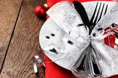 圣诞红音中的表设置 — 图库照片