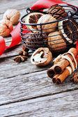 Nozes e especiarias de natal — Fotografia Stock