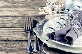 Christmas table setting in silver tone — 图库照片