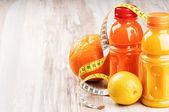 świeże soki owocowe — Zdjęcie stockowe