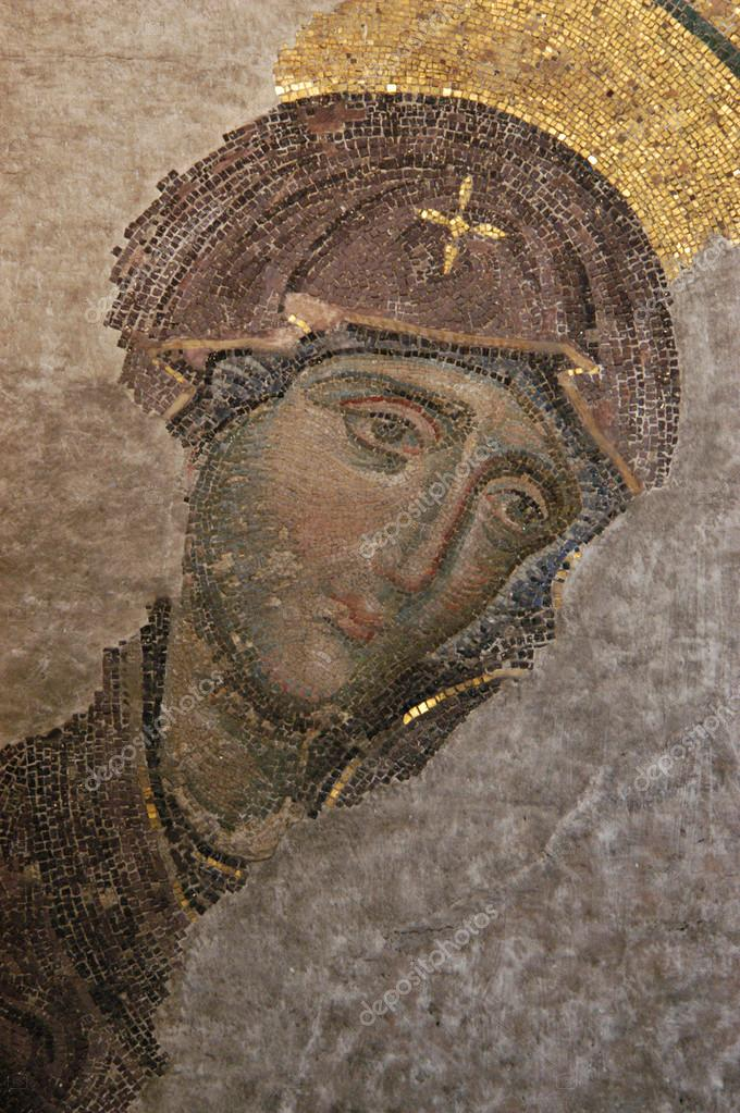 Byzantine mosaic of the Virgin in Hagia Sophia in Istanbul, Turkey.   — Stock Photo #13395107