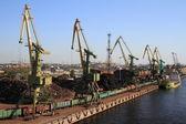 Piers in st. petersburg, russland — Stockfoto