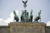 Branderburg gate in Berlin center. — 图库照片