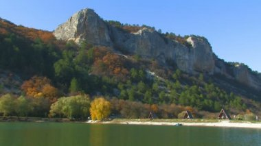 Picnic on the lake in a picturesque location. Mangup, Crimea, Ukraine — Stock Video