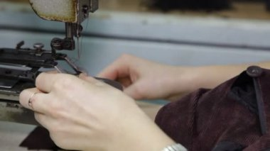 Sewing in the textile factory — Stock Video