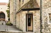 Santuario e cabina telefonica — Foto Stock