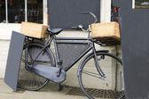 村庄交付自行车 — 图库照片