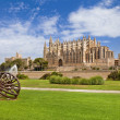 Beautiful cathedral - main architectural landmark of Mallorca — Stock Photo #12768666