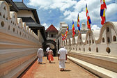 Greatest buddhists landmarks - Kandy, Tooth temple, go on ceremony — Stock Photo