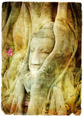Buddha face in old roots in ancient temple of Ayutthaya - artwork in retro style — Foto de Stock
