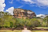 Sygiriya - starověké buddhistickými mezník srí lanky — Stock fotografie