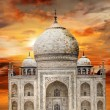Tadj mahal over sunset — Stock Photo
