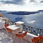 Romantic Santorini - view from restaurant terasse — Stock Photo