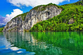 Beautiful landscapes of Austrian lakes - st.Wolfgang — Stock Photo