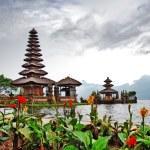 Pura Ulun Danu temple on a lake Beratan. Bali — Stock Photo
