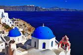 Slavná kupole oia santorini, Řecko — Stock fotografie