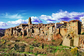Stunning Italy series - Pitigliano - small medieval town on rock — Stock Photo