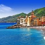 Italian holidays on pictorial Ligurian coast - Camogli — Stock Photo #42487327