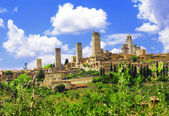 Beautiful Tuscany - San Gimignano medieval skyscrapers, Italy — Stock Photo