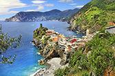 Vernazza -  scenic village in Ligurian coast of Italy — Stock Photo