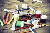 Vintage boya kalemi ve renkler — Stok fotoğraf