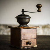 Vintage handmatige koffiemolen — Stockfoto