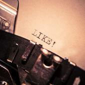 Velha máquina de escrever com texto como — Fotografia Stock
