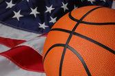 美国国旗与篮球 — 图库照片