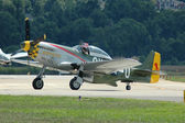 P-51 mustang taksilemek — Stok fotoğraf