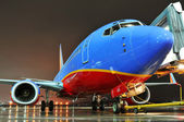 Southwest Airlines aiplane at the departing gate — Stock Photo
