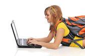 Giovane donna con il portatile — Foto Stock