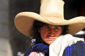 Peruvian indigenous woman in traditional clothing — Stock Photo