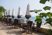 Terasou s výhledem na moře luxusního hotelu — Stock fotografie