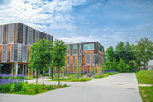 Modern educational/office building on campus — Zdjęcie stockowe