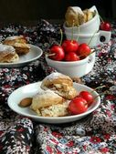 Biscuits from puff pastry stuffed with — Stock Photo